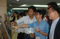 Vietnamese students talk science at Seoul conference