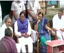 CM Anandiben meets Dalits; sporadi..