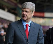 Wenger sticking with Arsenal