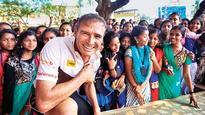 Former Australian MP runs to promote Maharashtra tourism