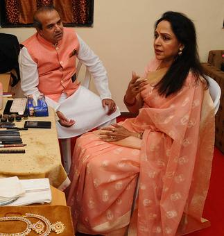 PIX: Inside Hema Malini's make-up room!