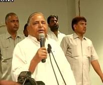 Mulayam offers no solution to Akhilesh-Shivpal spat, ...