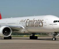 Emirates offers laptop handlers to cope with U.S ban