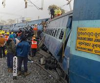 Train Derails in India Killing At Least 32 and Injuring 50