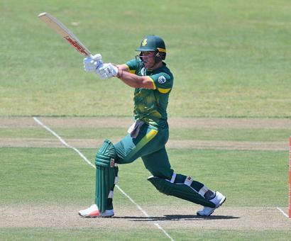 De Villiers finds sweet spot on South Africa return