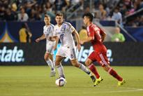 Gerrard misses early penalty, scores late as Galaxy beat RSL