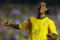 Brazil star Ronaldinho mulls moving to politics
