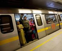 Man dies after falling onto track on Metro station