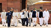 Kashmir unrest: J&K leaders urge President to intervene