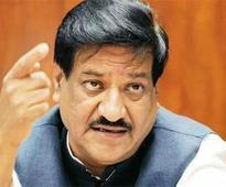 Former Maharashtra CM demands judicial enquiry into toor dal scam