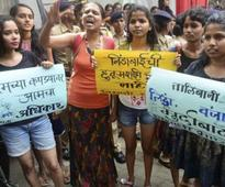 Students' organisation protest against 'dress code' at SNDT