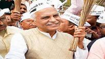 Former BJP MLA Kanu Kalsaria becomes AAPs face in Gujarat