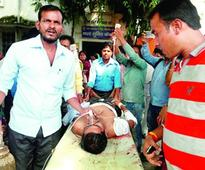 Robbers kill man, flee with lakhs