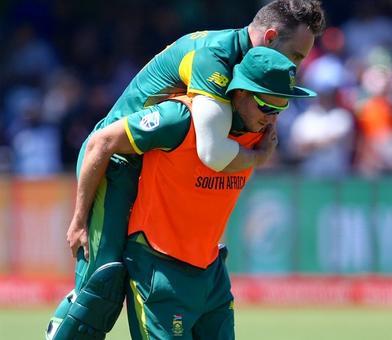 Du Plessis back in training ahead of Australia Test series