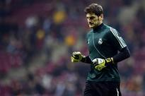 Del Bosque says Casillas' spot safe with Spain