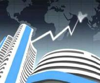 Sensex builds on gains, rises 26 pts in early trade