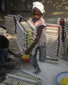 Thousands of Bangladesh child labourers work 64 hours a week - study