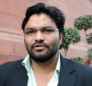 Supriyo defies ban order in Bardhaman