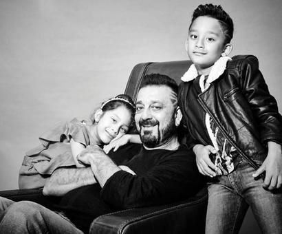 Sanjay Dutt and his adorable kids make for a perfect click!