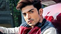 Gurmeet Choudhary's kind gesture, to sponsor solar panels for residents of his hometown
