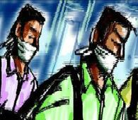 Bike borne robbers flee with Rs 32,000 from a trader standing in bank Queue