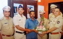 Cop, citizen nab chain-snatcher