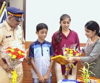 Antop Hill siblings who nabbed mobile thief felicitated