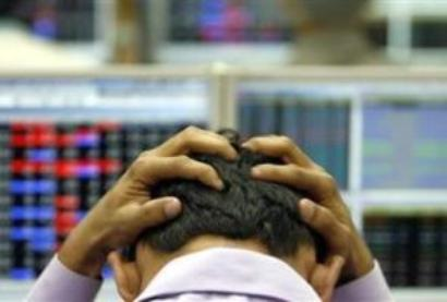 Stockbroker, 7 others barred by Sebi for illegally raising Rs 1200cr
