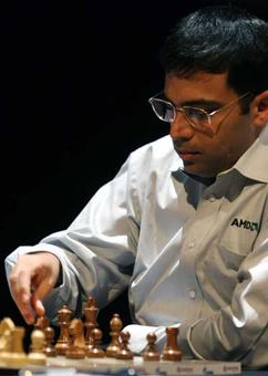 London Classic: Anand beats Topalov; in joint third place