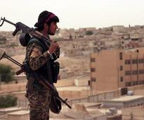 Syria conflict: US-backed forces struggle to gain ground in Raqqa, says human rights monitor