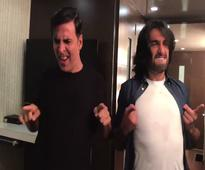 This is how Akshay Kumar celebrated Toilet`s success with Ranveer Singh!