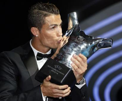 Ronaldo beats Messi to win UEFA Player of the Year award