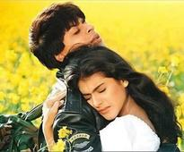 These pictures of Shah Rukh Khan and Kajol from the DDLJ days will make you go back in time