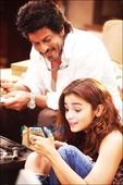 Check out Shah Rukh Khan and Alia Bhatt share an adorable bond in Dear Zindagi
