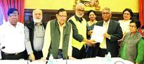 PCI adopts report of sub-committee on media in J&K