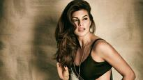Jacqueline Fernandez sizzles on the latest cover of a magazine, Check pic
