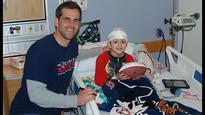 Patriot visits pediatric patients at Tufts Medical Center