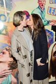 Two famous actresses kiss at the Golden Globes