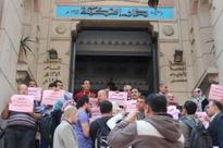 5 Members of the Egyptian Democratic Party Arrested as they were Walking in front of the Egyptian Doctors Syndicate