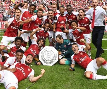 Community Shield: Giroud seals shootout victory for Arsenal