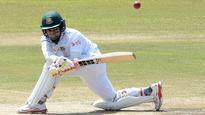 Bangladesh avoid follow-on but Sri Lanka in control