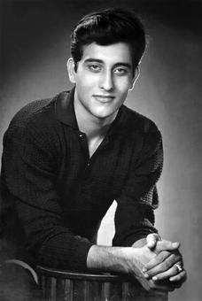 Vinod Khanna's Life in Pictures