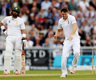 PHOTOS: Ruthless England turn the screw on Pak in 2nd Test