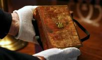 Donald Trump chooses his mother's and Abraham Lincoln's Bibles for swearing-in