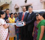 Vijaya Bank donates Maruti Omni to Prerana Resource Centre, Bangalore