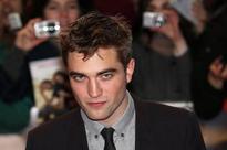 Robert Pattinson`s intense look in Dior ad