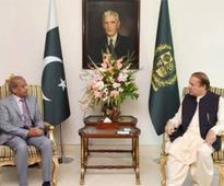 Nawaz, Mehtab discuss political, national issues