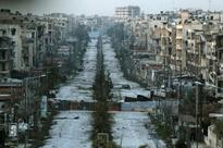 Islamic State advance near Turkish border, civilians trapped