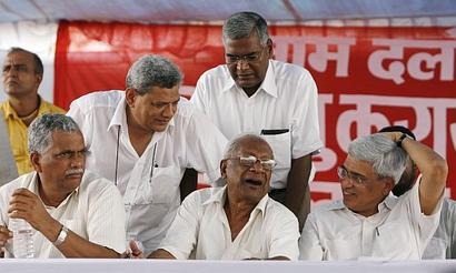 With Karat vs Yechury war in open, CPI-M looking for middle path