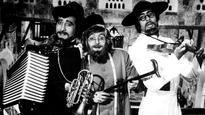 Amitabh Bachchan gets NOSTALGIC as he shares moments from the sets of 'Amar Akbar Anthony'